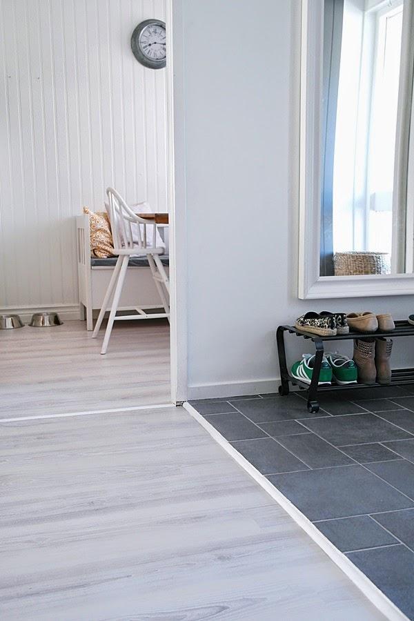 ... bättre än att visa vårt nya hallgolv samma hall fast olika golv